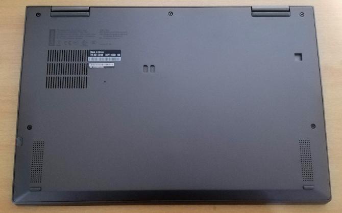 Lenovo X1 YOGA底面レビュー